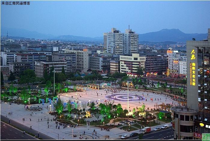 吉安人民广场的变迁